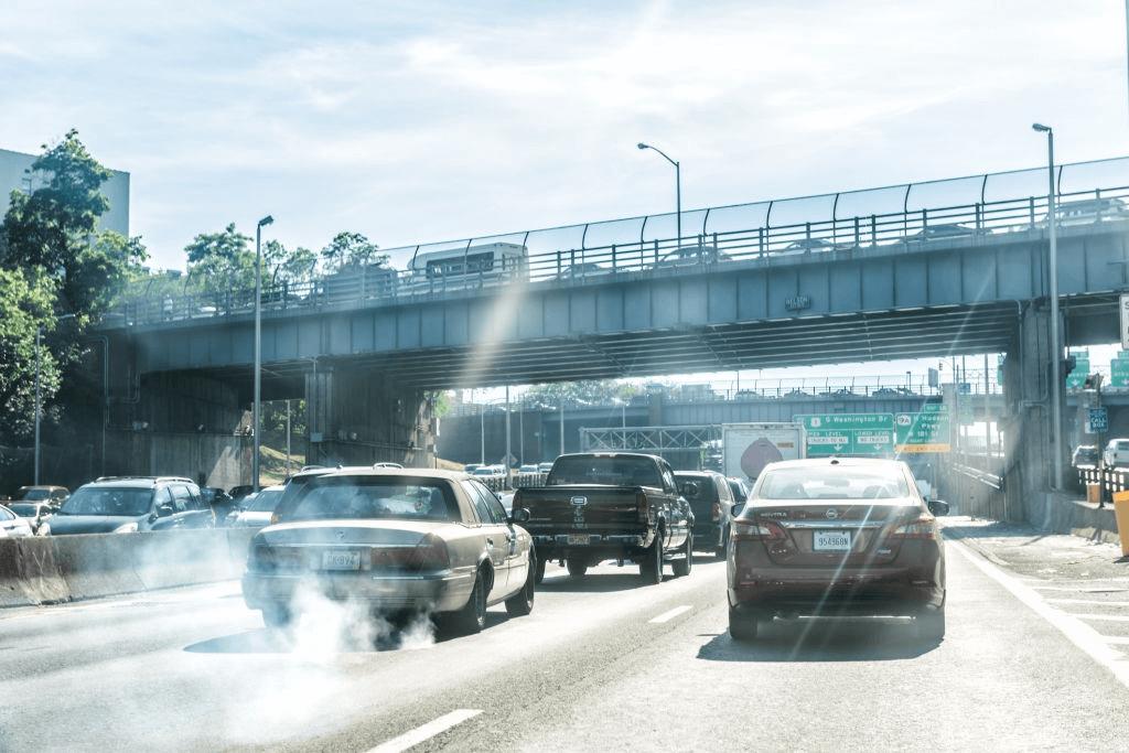 polusi udara akibat banyaknya kendaraan