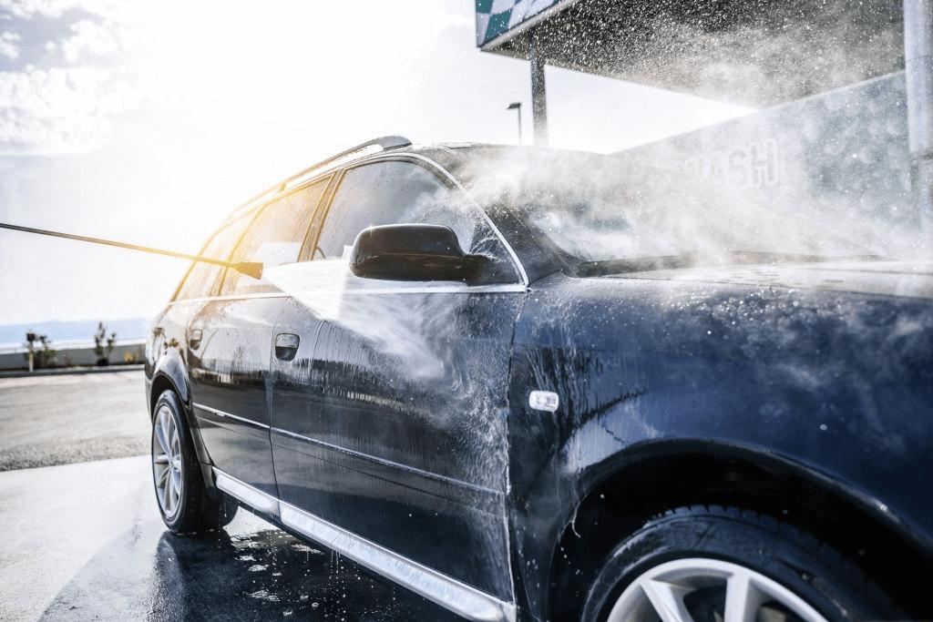 metode pencucian dengan metode touchless alias tanpa sentuh. Diklaim merupakan cara terbaik mencuci mobil