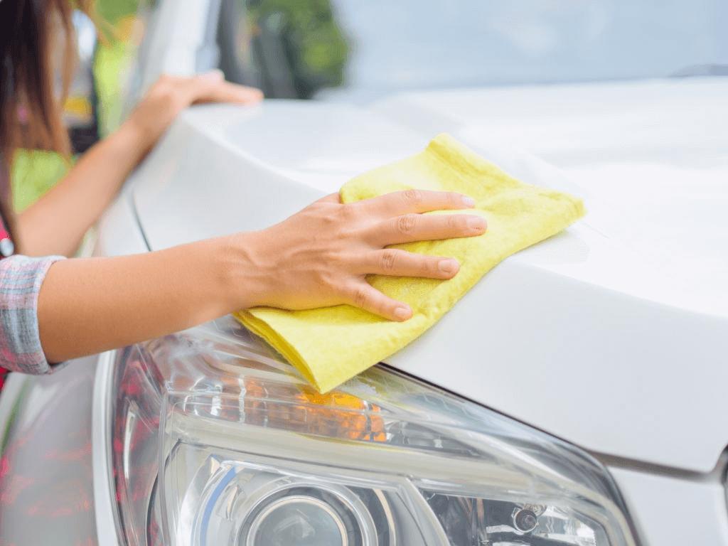 kain microfiber yang dipakai untuk mengeringkan bodi mobil